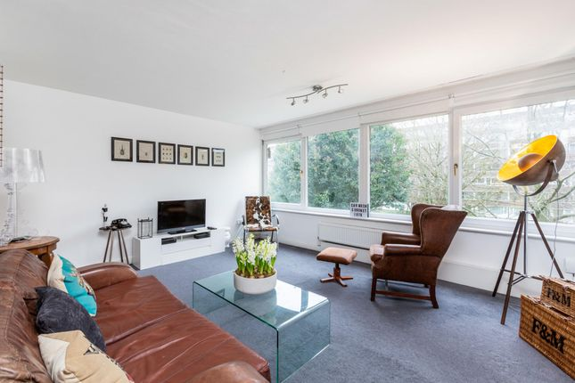 2 bed flat for sale in Vaughan Lodge, Fair Acres, Bromley BR2