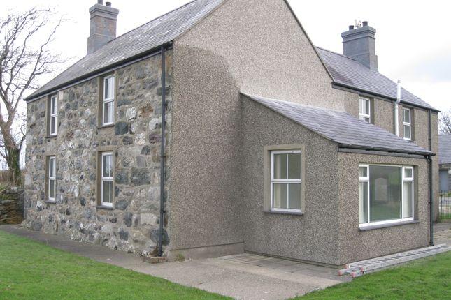 Thumbnail Farmhouse to rent in Pontllyfni, Caernarfon