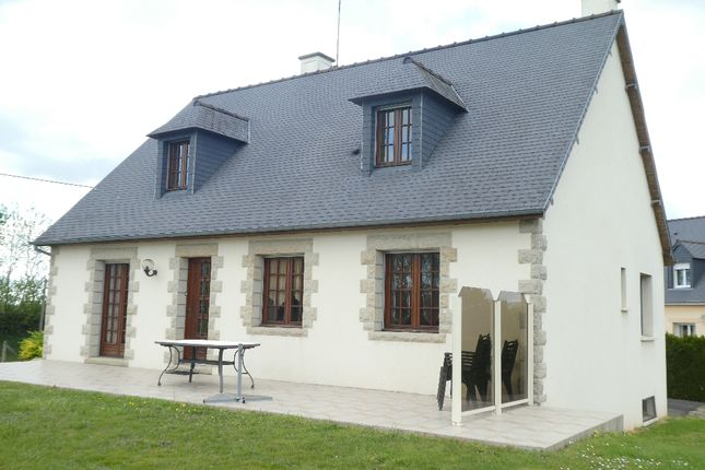 Detached house for sale in Mortain, Basse-Normandie, 50140, France