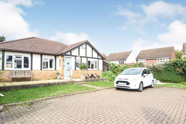 3 bed bungalow to rent in Berwick Pond Close, Rainham RM13