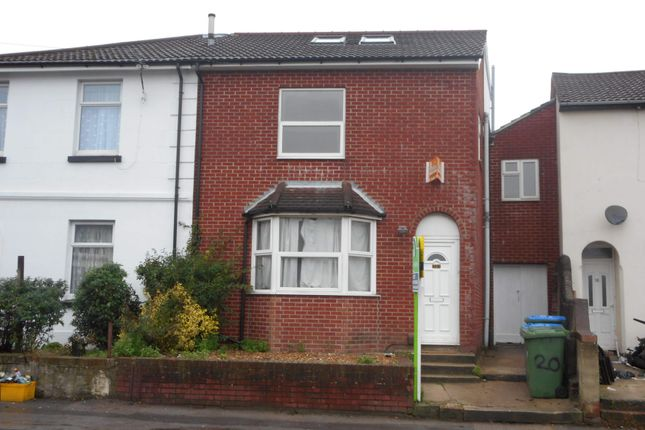 Thumbnail Town house to rent in Lodge Road, Southampton
