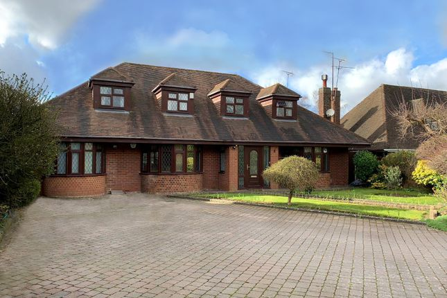 Thumbnail Detached bungalow for sale in Barton Road, Luton