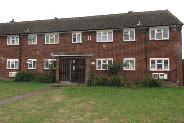 2 bed flat for sale in Brabazon Road, Heston, Hounslow, Middlesex TW5