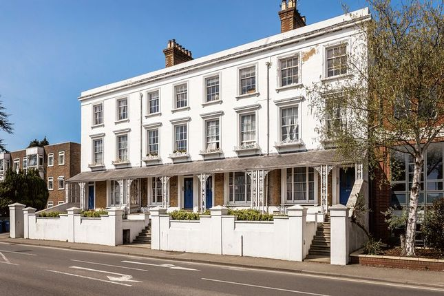 Thumbnail Flat for sale in East Street, Farnham