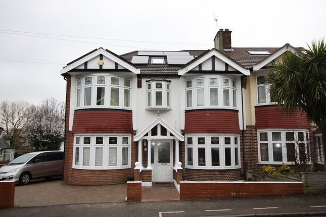 5 bed end terrace house for sale in Hillside Gardens, Walthamstow