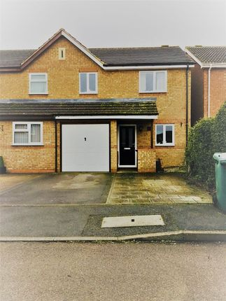 Thumbnail Semi-detached house to rent in Coopers Green, Bicester