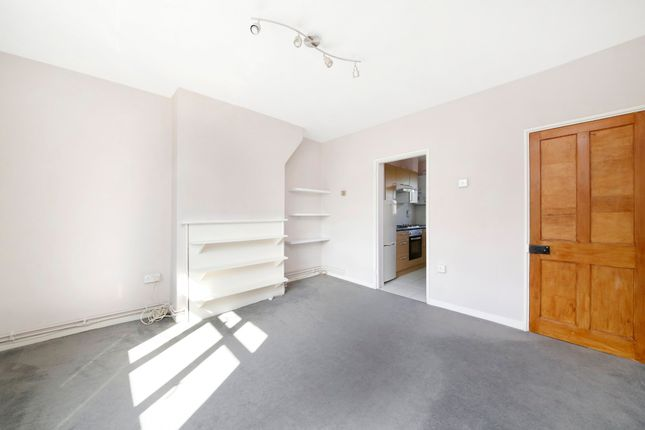Thumbnail Flat to rent in Highbury New Park, Highbury, London