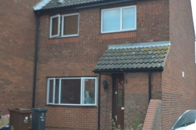 Thumbnail Terraced house to rent in Coral Close, Romford
