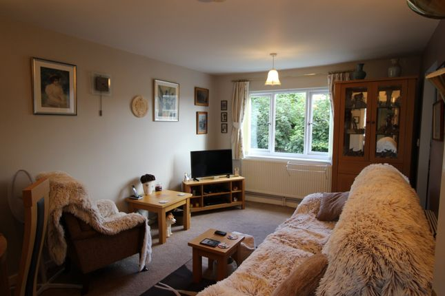 Picture No. 18 of Wood Street, Bedworth, Warwickshire CV12