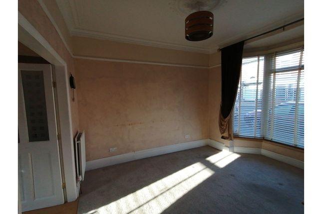 Living Room of Clumber Street, Hull HU5