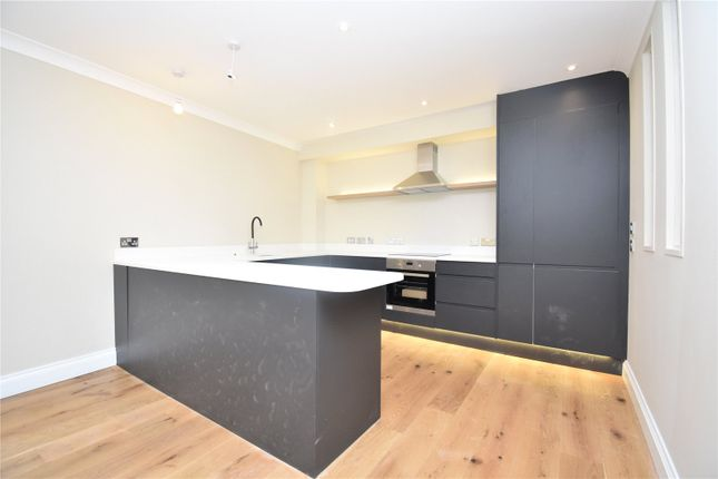 2 bed flat to rent in Bartholomew Street, Newbury RG14