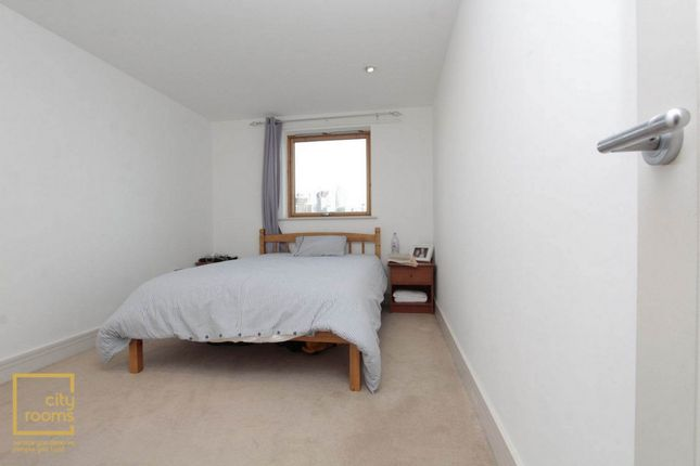 Room to rent in Apollo Building, 1 Newton Place, Crossharbour, Mudchute