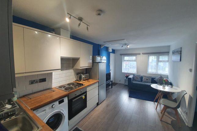 Thumbnail Flat to rent in Argyll Gardens, Burnt Oak, Edgware