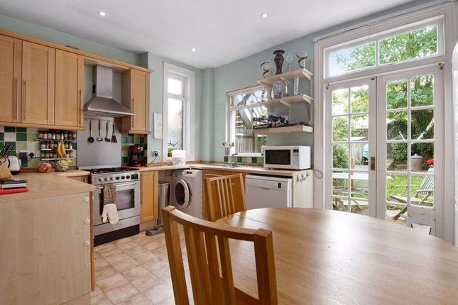 Kitchen/Diner of Leslie Road, London N2