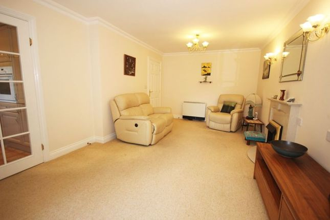 Lounge of Bolters Lane, Banstead SM7
