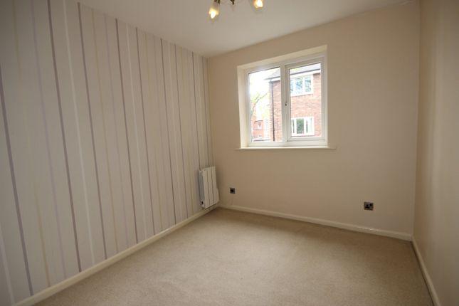 Flat to rent in Cranford House, Half Edge Lane, Monton, Manchester