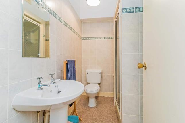 Bathroom of Dean Road, Kilbirnie, North Ayrshire KA25