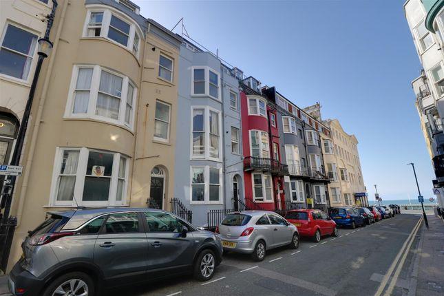 Thumbnail Flat to rent in Broad Street, Brighton