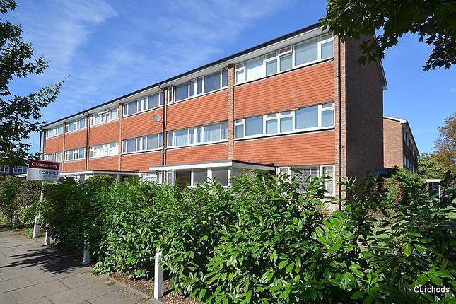 Thumbnail Maisonette to rent in Mere Road, Shepperton