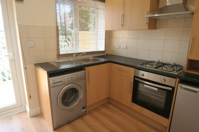 Thumbnail Studio to rent in Warminster Road, South Norwood