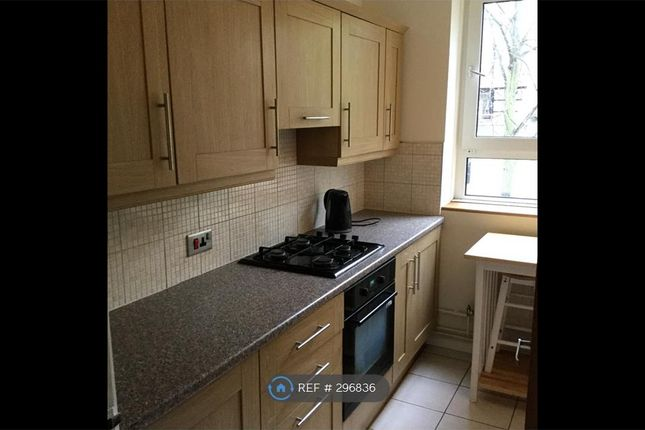 4 bed flat to rent in Edgeworth House, London
