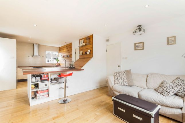 2 bed maisonette for sale in Quicks Road, Wimbledon SW19