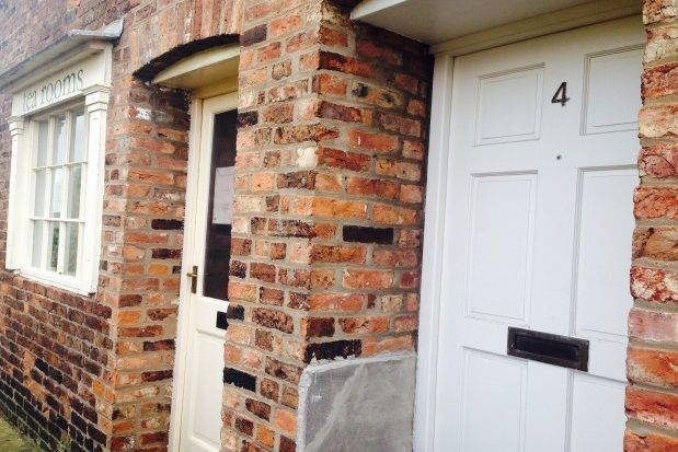 Thumbnail Flat to rent in City Walls, Chester