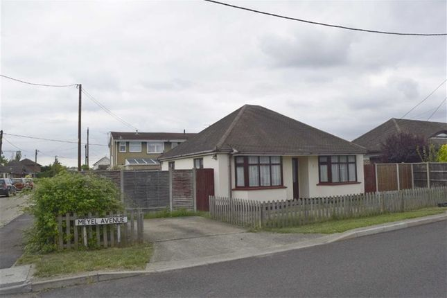 Thumbnail Detached bungalow to rent in Meyel Avenue, Canvey Island, Essex