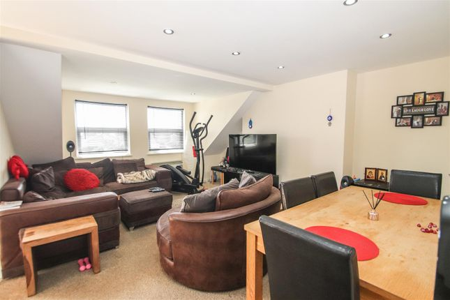 Lounge of Anerley Road, Westcliff-On-Sea SS0