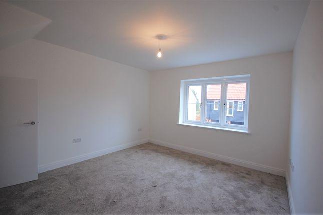 Bedroom of Rainbird Place, Coxtie Green Road, Brentwood CM14