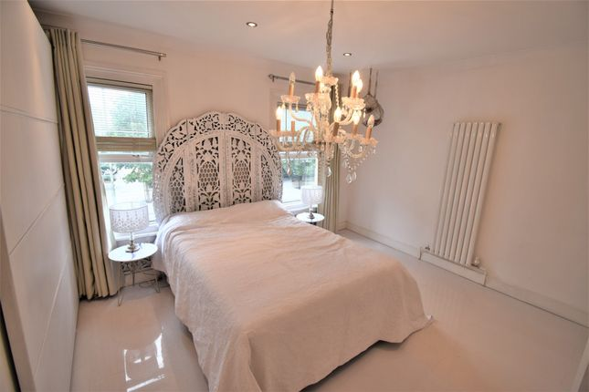Thumbnail Flat to rent in Colindale Avenue, London