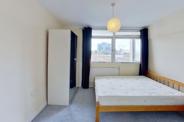 3 bed property to rent in Coventry Road, Bethnal Green, London E1