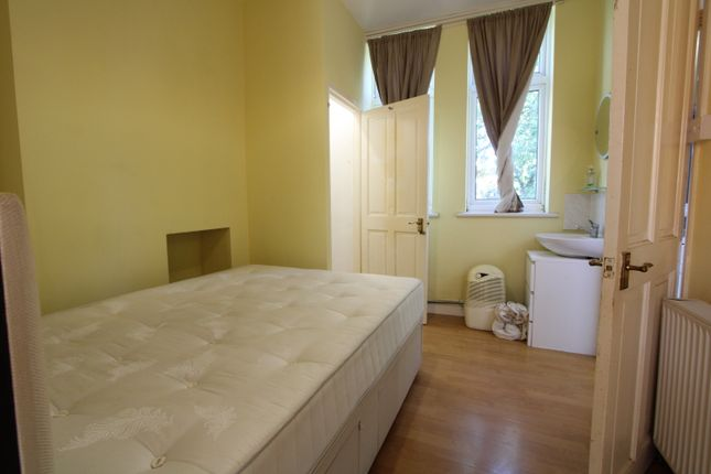 1 bed flat to rent in Courtney Rd, Waddon/Croydon CR0