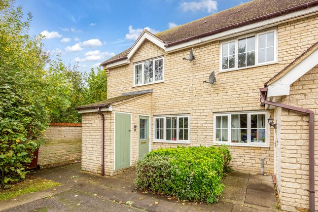 Thumbnail Flat for sale in Coltsfoot Leyes, Bicester