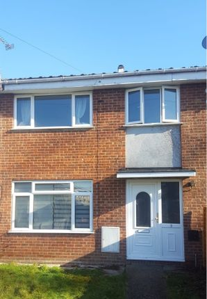 Thumbnail Terraced house to rent in Ling Crescent, Bordon