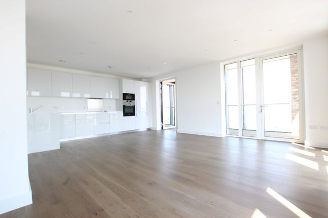 Thumbnail Flat to rent in Duncombe House, 15 Victory Parade, London