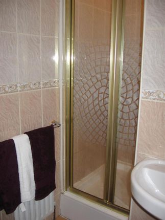 Bathroom1A of Flat 5, 2 Moor View, Hyde Park LS6