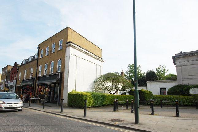 2 bed flat to rent in Harrow Road, London W10