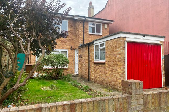 Thumbnail Detached house to rent in Rock Avenue, Gillingham