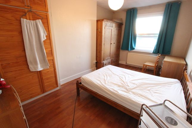 Thumbnail Triplex to rent in Saint Michaels Terrace, Wood Green