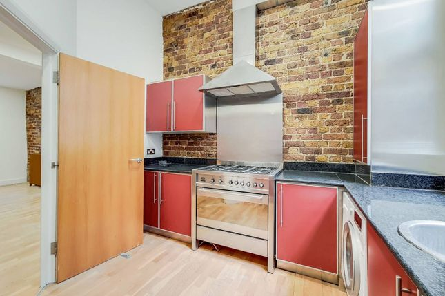 Thumbnail Flat to rent in Mallow Street, Old Street, London