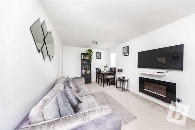 Thumbnail Flat for sale in Hutchins Close, Hornchurch