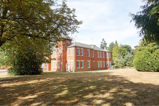 Thumbnail Flat for sale in Beningfield Drive, St. Albans