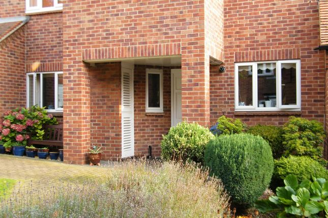 Thumbnail Flat for sale in Arnoldfield Court, Gonerby Road, Gonerby Hill Foot, Grantham