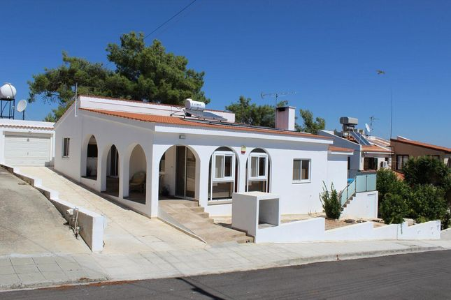 3 bed bungalow for sale in Souni-Zanatzia, Limassol, Cyprus