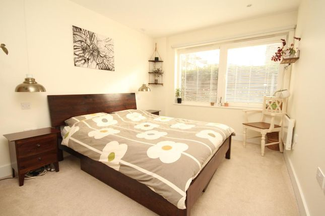 2 bed flat to rent in Tiltman Place, Block 5, Finsbury Park, London N7