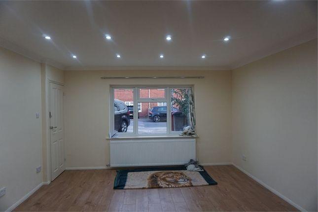 Thumbnail Studio to rent in Salisbury Avenue, Slough, Berkshire