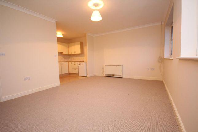 Thumbnail Flat to rent in George Williams Way, Kennington, Ashford