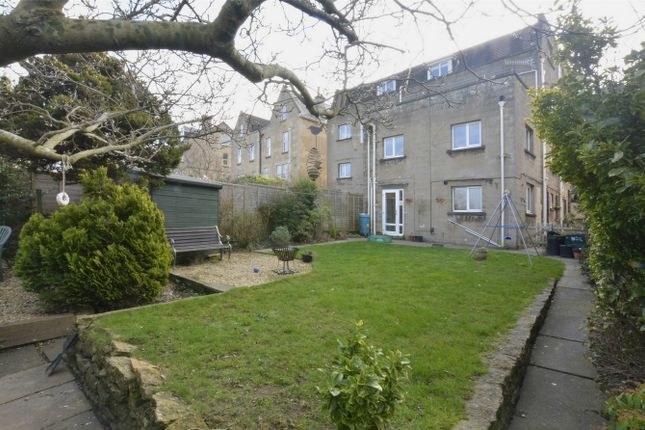 1 bed flat for sale in Garden Apartment, 110c Lower Oldfield Park, Bath
