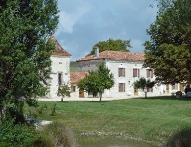 4 bed equestrian property for sale in Verteillac, Dordogne, France